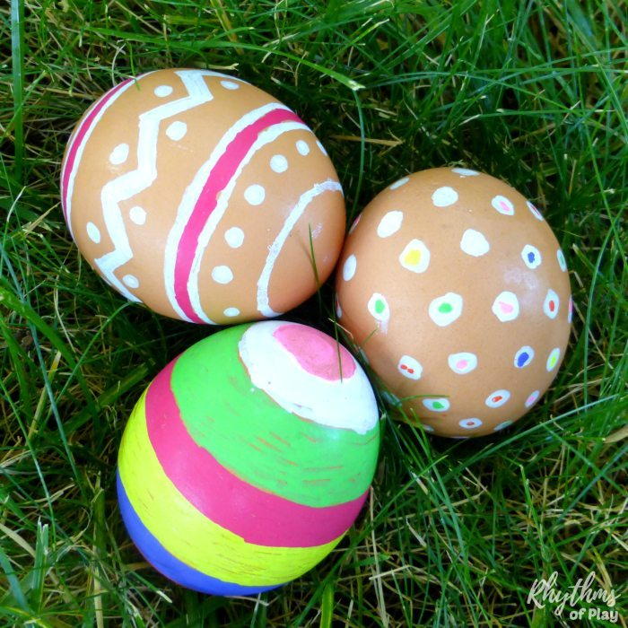 How to decorate natural brown eggs for Easter.