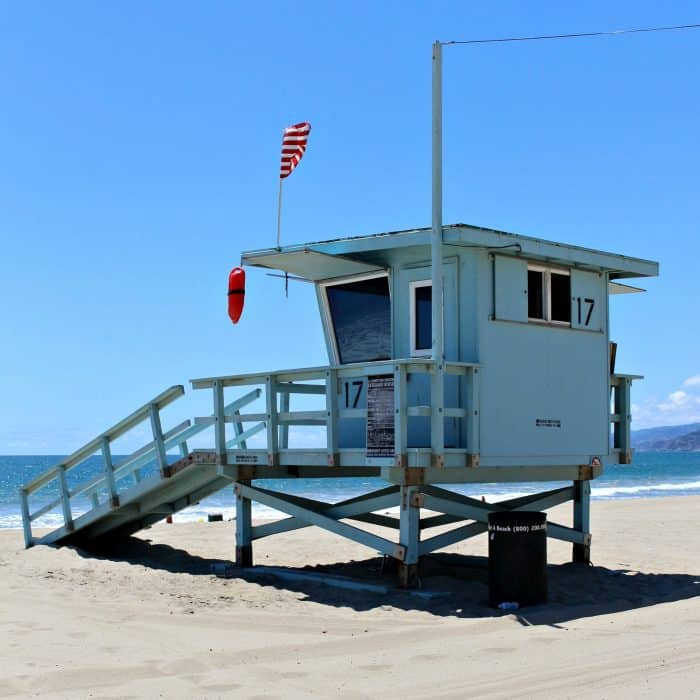 25 Beach and water safety tips - ligeguard tower