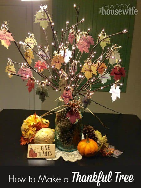 Thankful Tree for Thanksgiving by thehappyhousewife.com