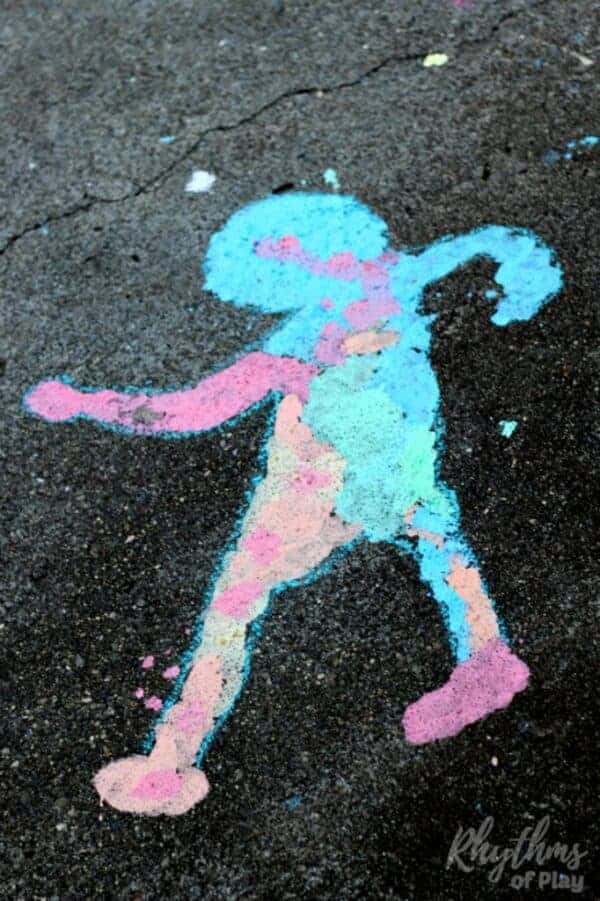 Shadow sidewalk chalk art outdoor science is a hands-on STEAM activity that will help children learn about shadows while making art. A fun outside art and science activity for toddlers to adults!