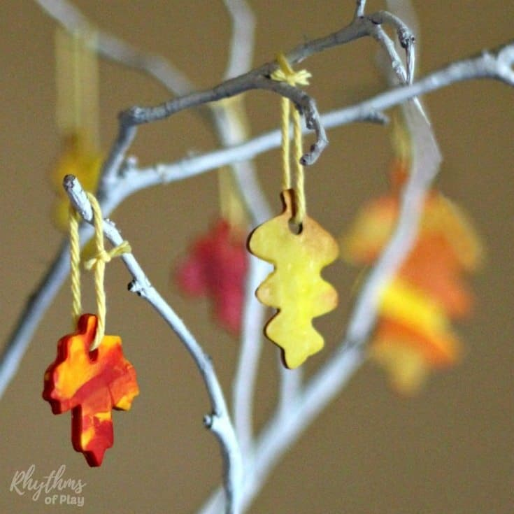 Fall leaves crafts - autumn leaves made with marbled polyform clay - fall DIY home decor
