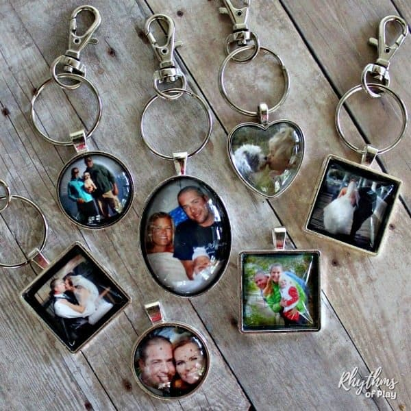 DIY Photo Keychain gift idea and wedding favor