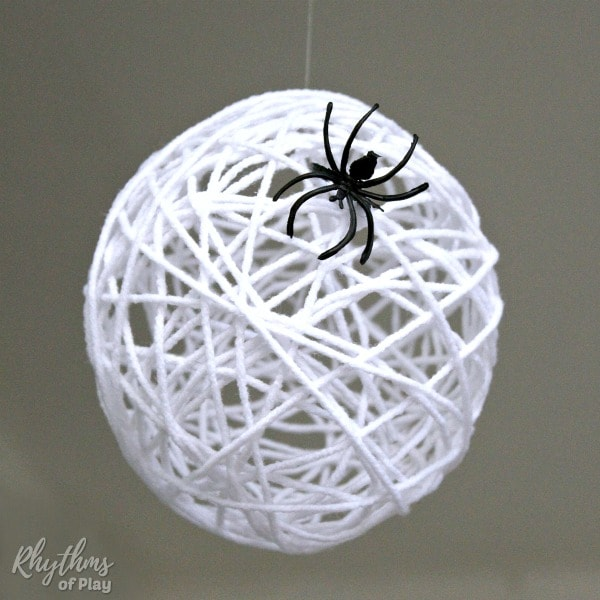 Spider egg sac Halloween craft and DIY Decoration