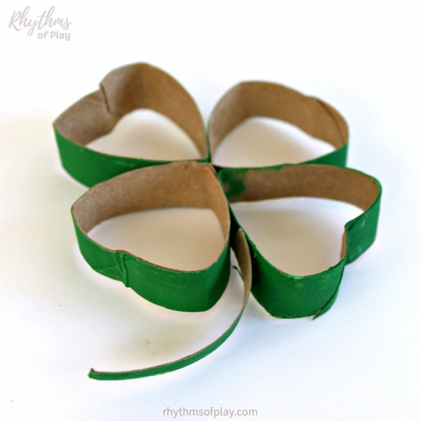 Toilet paper roll lucky four leaf clover craft for Saint Patrick's Day